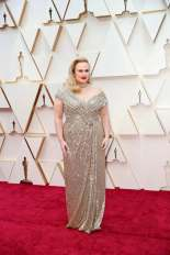 Rebel Wilson: this would've been a hoe run for me if her hair wasn;t pulled back so high